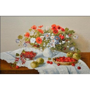 "Гобеленовое Панно ""Цветы и ягоды"" (35х50)"